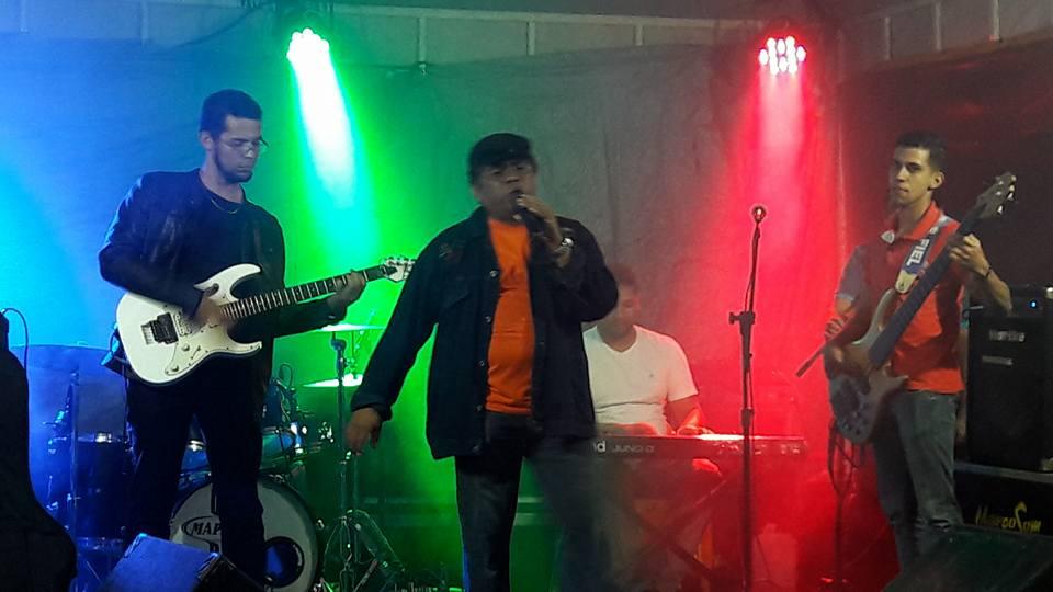 cantando_na_praça2